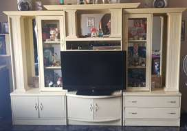 Entertainment and wall unit