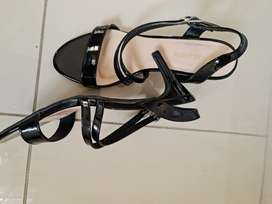 Shoes for sale size 7