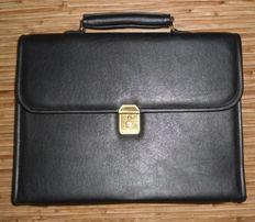 Портфель деловой кожаный