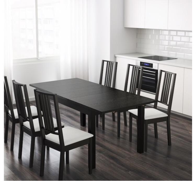 Jídelní stůl + 6 židlí 0