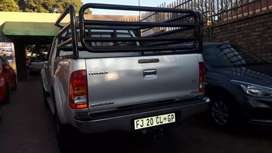 Toyota Hilux 4X4 Raider Manual for reasonable Price R 198.000