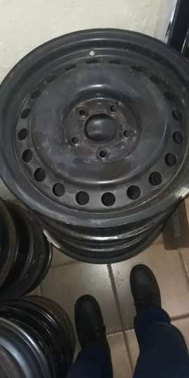 "16"" Nissan steel rims"