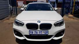 BMW 120i sunroof and leather seat