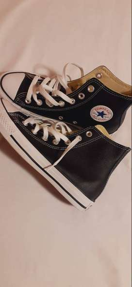 Black leather all star.