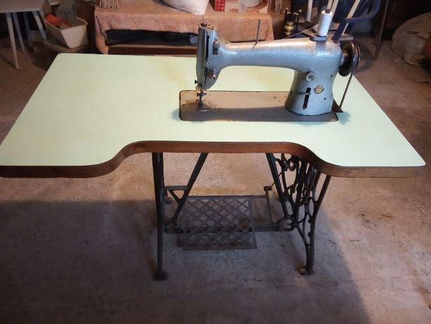 Ножна швейна машинка промислова ПМЗ ім.Калініна 22 клас станина чавун