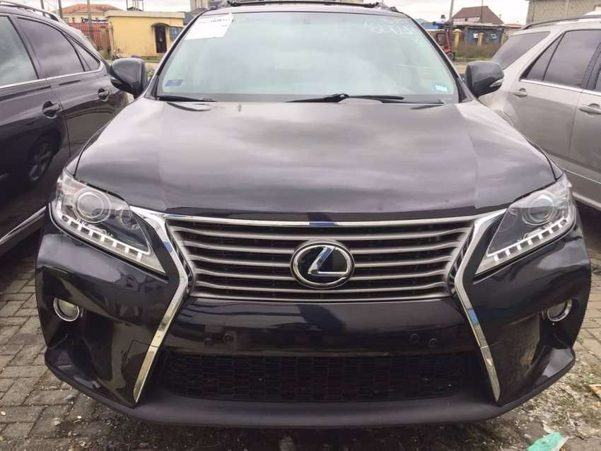 Lexus RX350 black just 6 month old good working condition. 0