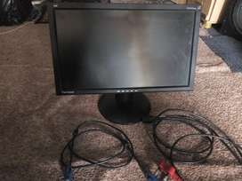 Computer Monitor 19 inches  LCD