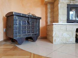 Piękny kufer stylowa drewniana skrzynia z okuciami otwierane wieko