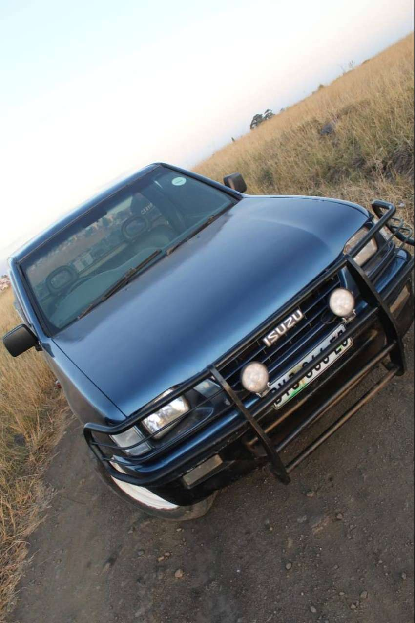Isuzu KB 280 turbo diesel very reliable. 0
