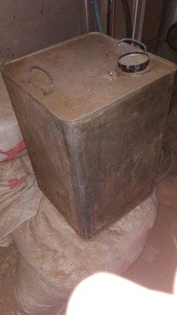 Канистра металлическая из под масла 16.5 литров, СССР. Харьков - изображение 1