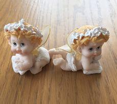 Маленькие статуэточки ангелочков