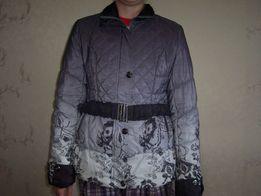 Продам женскую куртку весна -осень в хорошем состоянии 42 размер