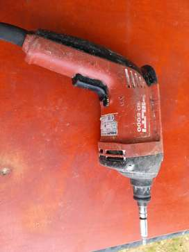 Hilti SD 5000 screw gun