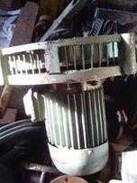 Электродвигатель с крыльчаткой на смазочную станцию