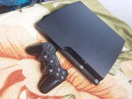 Ps3 for sale R1700 +fifa 18 and GTA v