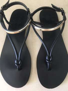 Womens flat comfortable shoes - sandals and pumps