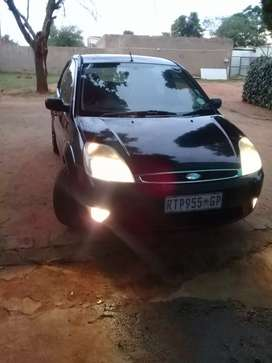 Hi iam selling ford fiesta ghia 1.6 in excellent condition