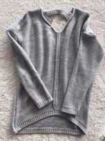Sweterek z wycięciem na plecach
