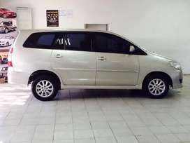 Toyota innova 2.7 engine 8 seater with  revice camera available now do