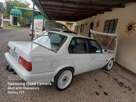 """BMW,318,GUSHESHE,Runner condition,17"""" mags with brand new tyres"""