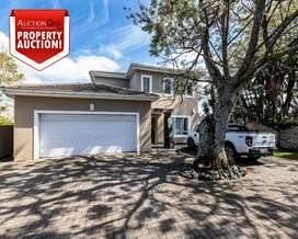 PROPERTY AUCTION - 1 HENRY ROAD, BEACON BAY, EAST LONDON.