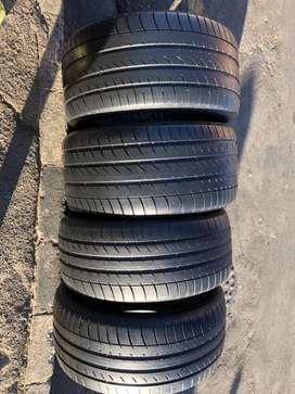 275/40 R20 & 315/35 R20 Dunlop Run Flat Tyres for  BMW X5
