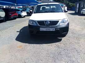 2014 Nissan np200 manual for sale