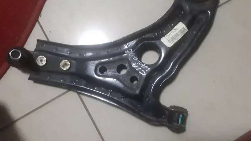 Chev Aveo right control Arm 0