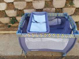Baby cot still in good condition
