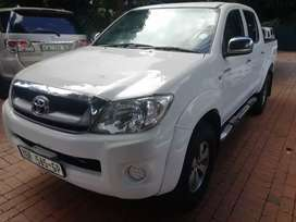 2009 toyota hilux 4.0 v6 automatic for sale