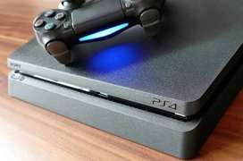 Ps4 slim 1 terrabyte 2x controllers 4x games