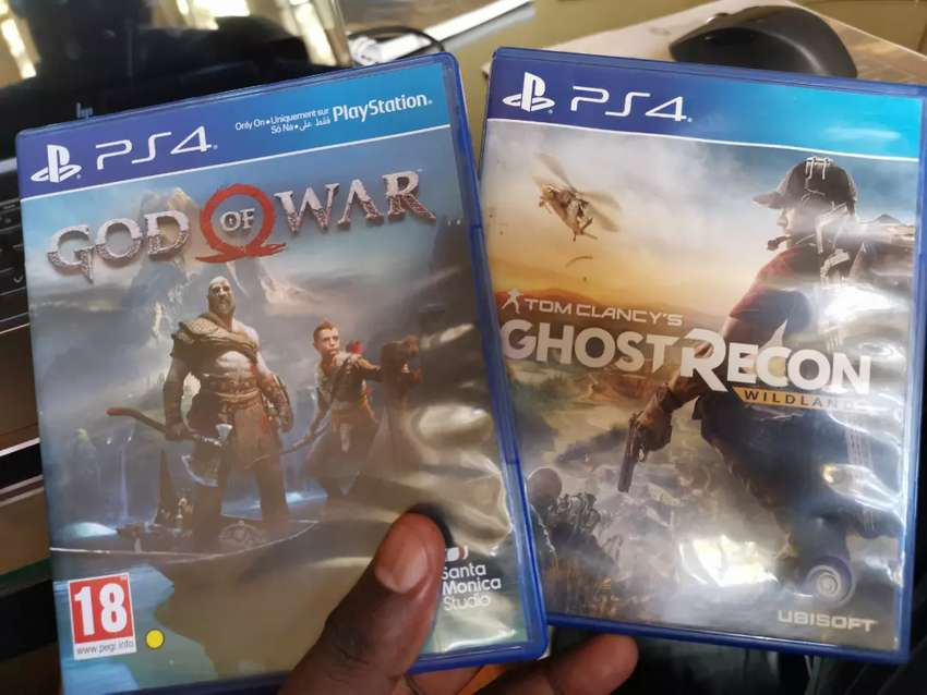 PS4 God of War & Ghost Recon 0
