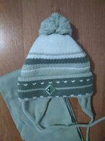 Шапка весна-осень на 2 года с шарфом.