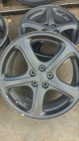 set of rim 17 inches 7JJ for subaru with PCD 100-114