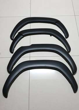 Toyota Hilux wheel arch spats