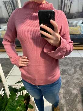 Cotton On peachy pink jumper.