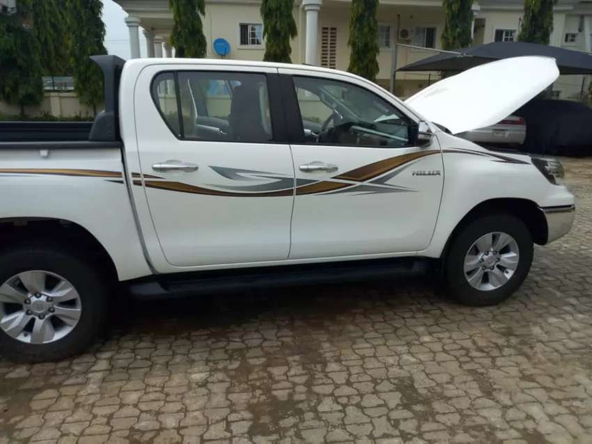 2018 Toyota Hilux for sale 0