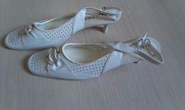 Туфли женские белые перфорированные новые