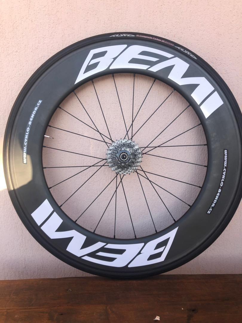 Karbonove zadní kolo pro triatlon a časovku 0
