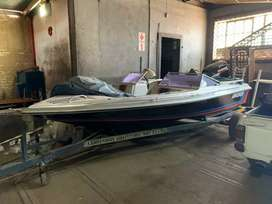Speedboat with Suzuki 115 two stroke engine. 2019 trailer.