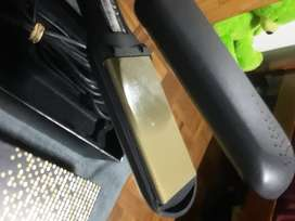 Second hand GHD gold straightener for sale