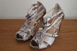 Skórzane buty-sandały Clarks