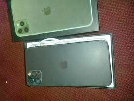 iPhone 11 Pro max for sale R3k (read add)