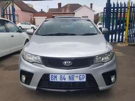 2011 model KIA Cerato Koup 2.0 in good condition with sunroof