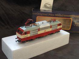 Модель локомотива Piko CSD ES 499 НО