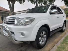 TOYOTA FORTUNER 3.0 D4D AUTOMATIC