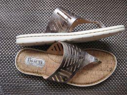 Кожаные сандалии шлепки Born