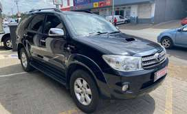 2011 TOYOTA FORTUNER 3.0D4D R/B A/T