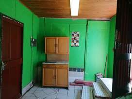 A single outside Room with outside shower and toilet in Ridgeway ext4