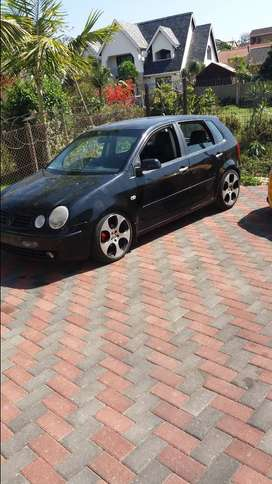 Its a 1.6 polo with leather seats just did complete engine